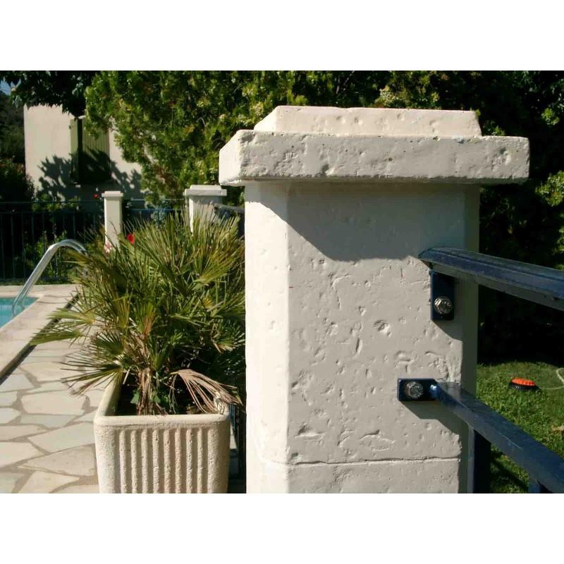 element pilier cathare piliers et chapeaux penez herman. Black Bedroom Furniture Sets. Home Design Ideas